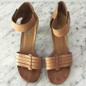 Paul Green Distressed Strappy Sandals Size 9.5